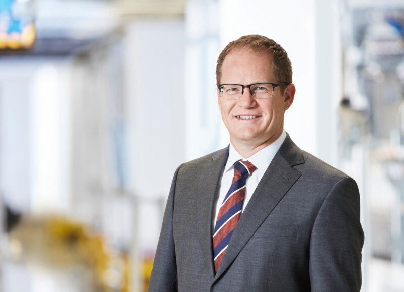 Zu sehen ist SMA-Vorstandssprecher Jürgen Reinert. ER hat die Zahlen für das SMA Geschäftsjahr 2019 kommentiert.