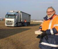 SMP-Montage-CEO Michael-Manfred Fischer auf der Solarbaustelle Weesow