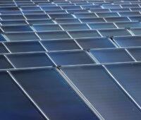 Großes Solarthermie-Kollektorfeld von Savosolar