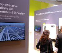 Zusehen ist ein Foto von einer vergangenen EM-Power Europe Messe. Die EM-Power Europe 2021 widmet sich den Themen Energiemanagement und vernetzte Energielösungen.