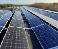 Zu sehen ist das Mieterstromprojekt Schwarzheide. Der Ausbau von Photovoltaik-Mieterstrom ist derzeit behindert.