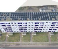 Zu sehen ist eine Skizze eines der Neubauten in Walsleben mit dem Photovoltaik-Mieterstrom auf dem Dach.