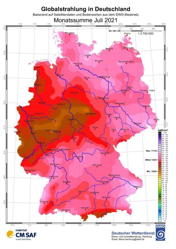 Zu sehen ist eine Karte mit der Sonneneinstrahlung in Deutschland im Juli 2021.