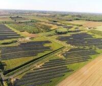 Zu sehen ist einer der Photovoltaik-Solarparks von Steag Solar Energy Solutions in Ungarn.