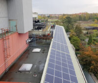 Photovoltaikanlage an einem Kraftwerk
