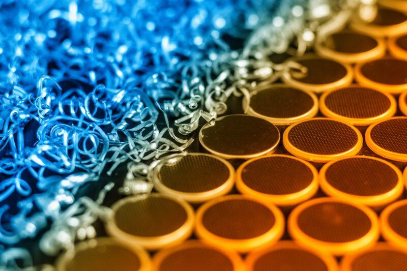 Zu sehen ist Aluminium als Rohstoff für die Aluminium-Batterie.