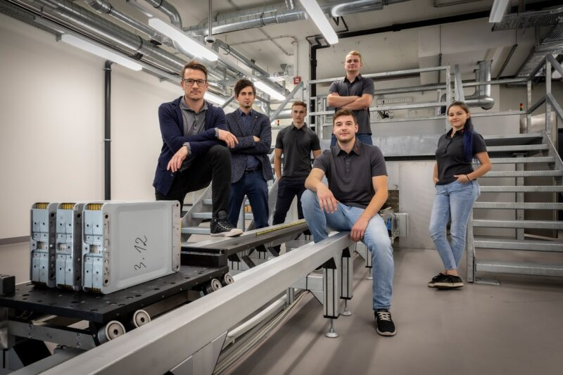 Zu sehen ist das Team des Battery Safety Center Graz.