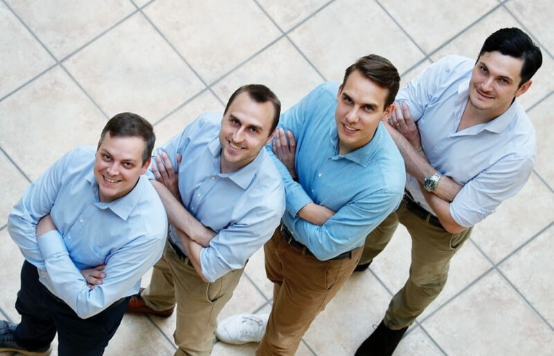 ZU sehen ist das Gründerteam des Photovoltaik-Startup Solytic.