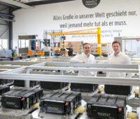 Tesvort Gründer in der neuen Gigafactory