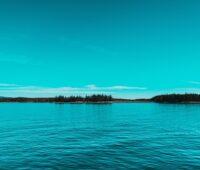 Zu sehen ist ein Gewässer, das für das Projekt Seethermie geeignet wäre