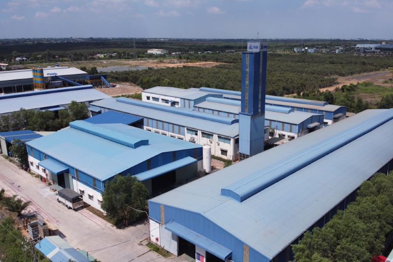 Luftbild der Fabrikanlage eines Fahrstuhlherstellers in Vietnam.