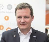 Zu sehen ist Thomas Speidel, der auf der BVES-Mitgliederversammlung 2020 als BVES-Präsident bestätigt wurde.