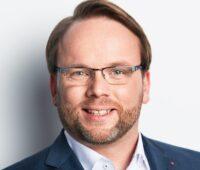 Der SPD-Bundestagsabgeordnete Timon Gremmels fürchtet um die Photovoltaik in der Corona-Pandemie. Zu sehen ist sein Portät.