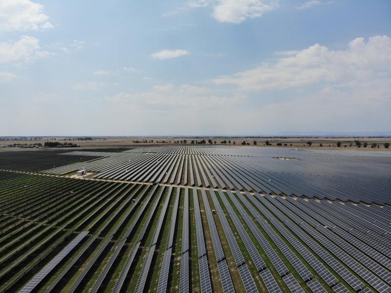 größe PV-Anlage auf der grünen Wiese