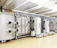 Zu sehen ist eine Anlage zur Herstellung von Photovoltaik. Der VDMA Photovoltaik Produktionsmittel ist mit der Umsatzentwicklung zufrieden.