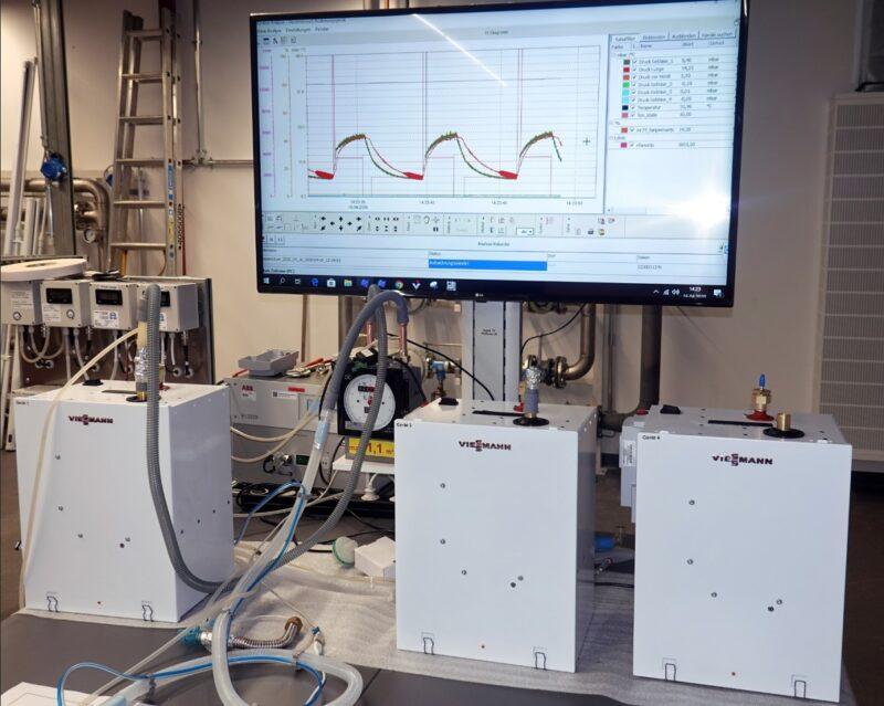 Zu sehen ist das Viessmann Beatmungsgerät in einem Testlabor.