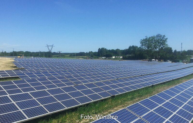 Zu sehen ist ein der schon bestehenden Photovoltaik-Großanlagen in Polen.