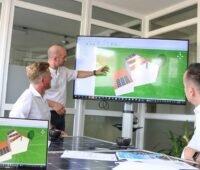 Zu sehen ist das Wirsol Team, das Betreiber von Photovoltaik-Anlagen beim Redispatch 2.0 unterstützt.