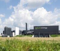 Zu sehen ist eine Biogasaufbereitungsanlage in Korskro, die den neuen Biogasaufbereitungsanlagen in Kvaers und Kong ähneln.