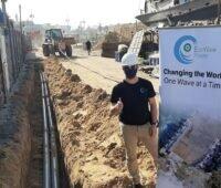 Zu sehen sind die netzanschlussabreiten für das Wellenenergie-Kraftwerk von Eco Wave Power im Hafen von Jaffa.
