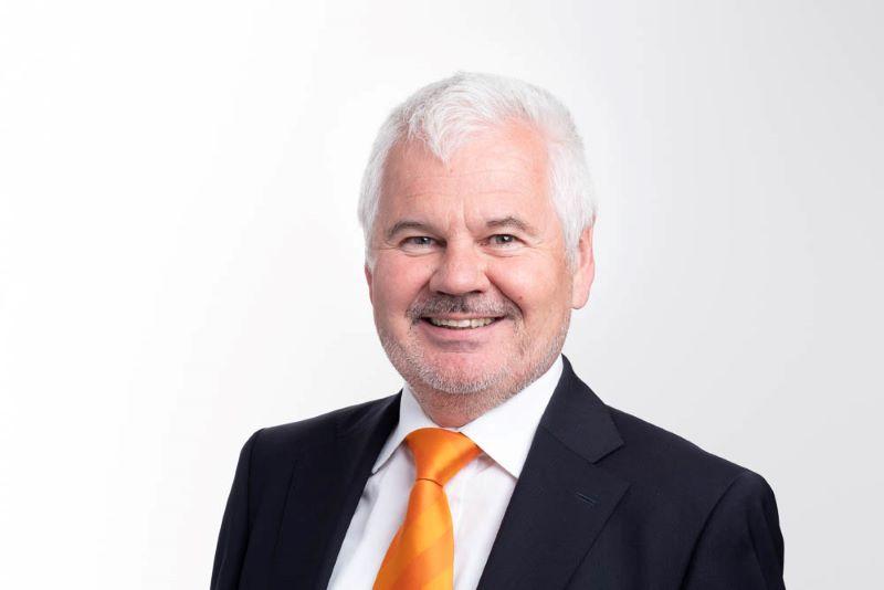 Portrait des AGFW-Geschäftsführers Werner Lutsch