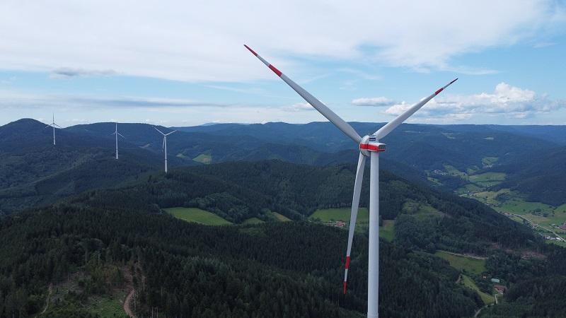 Zu sehen ist der Windpark Hohenlochen der Badenova.
