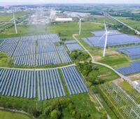 Zu sehen ist ein Photovoltaik-Solarpark. Für neue Photovoltaik-Solarparks startet Enene auf Wiwin eine Crowdinvesting-Kampagne.