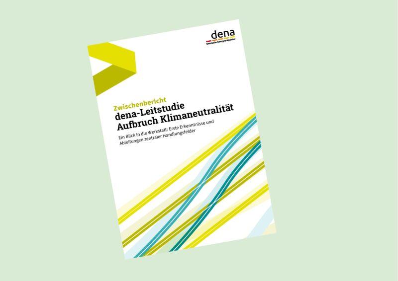 Zu sehen ist das Deckblatt vom Zwischenbericht zur dena-Leitstudie Aufbruch Klimaneutralität.