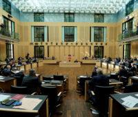 Der Plenarsaal des Bundesrates mit den Teilnehmer*innen aus den Ländern.