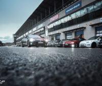 Elektrofahrzeuge an der Boxengasse beim eco Grand Prix