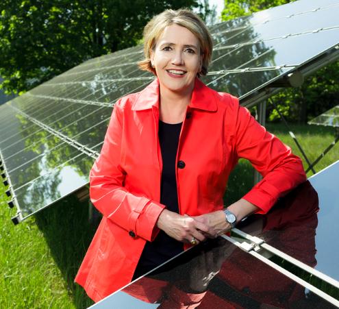 Das Bild zeigt Simone Peter, die Präsidentin des Bundesverbandes Erneuerbare Energien.