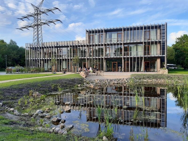 Zu sehen ist der Emsys-Firmensitz in Oldenburg, wo auch die neu gegründete Emsys VPP GmbH ihren Platz findet.