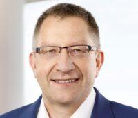Zu sehen ist Dr. Jörg Bergmann, Sprecher der Geschäftsführung der OGE, eines der Unternehmen, die evety gegründet haben.