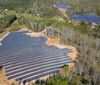 Solarpark in Waldgebiet - Luftbild