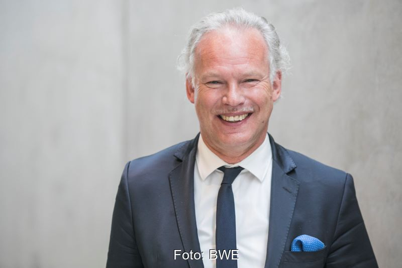 Halbportrait des BWE-Präsidenten Hermann Albers