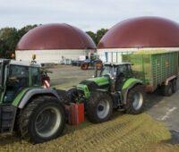 ZU sehen ist eine Biogasanlage. Die Bioenergieverbände kritisieren, dass Biogas im Gebäudeenergiegesetz nicht berücksichtigt ist.