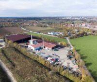 Luftbild einer Bioenergieanlage in Bayern.