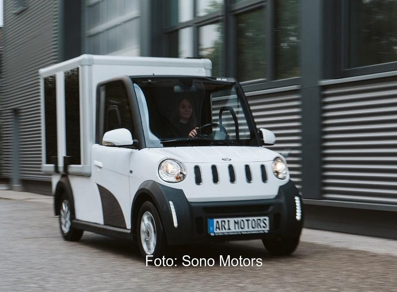Zu sehen ist ein Photovoltaik-Auto von Sono Motors. Der neue Solarprototyp ist für die Beförderung auf der letzten Meile sowie in Städten, Parks, Industriegebieten oder Flughäfen konzipiert.